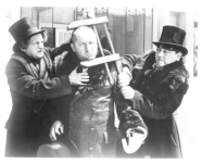 THE THREE STOOGES - 376H - head clamp